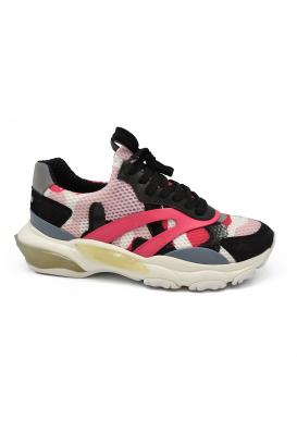 Sneakers Bounce Valentino camouflage noires, blanches et roses en daim, tissu et cuir avec semelle oversize et effet reflechissa