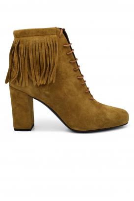 Bottines à lacets Saint Laurent en daim camel à talon avec bout légèrement carré et franges à la cheville