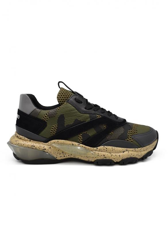 Sneakers Bounce Valentino camouflage noires et kakis en cuir et tissu avec semelle oversize