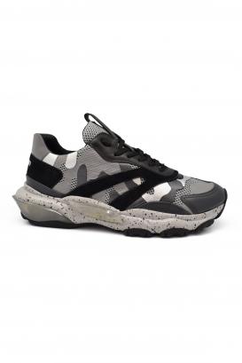 Sneakers Bounce Valentino camouflage noires et argentées en cuir et tissu avec semelle oversize
