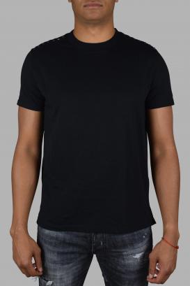 Valentino Garavani black t-shirt.