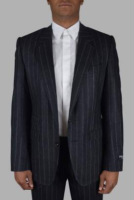 Two-piece suit from Dolce & Gabbana in gray wool.