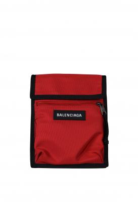 Clutch Balenciaga Explorer rossa e nera.