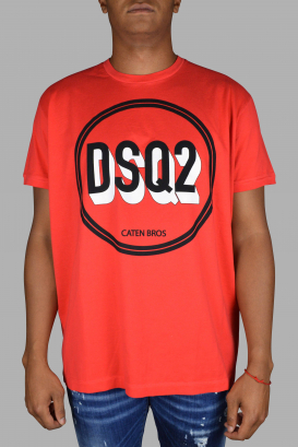 Red Dsquared2 T-Shirt.